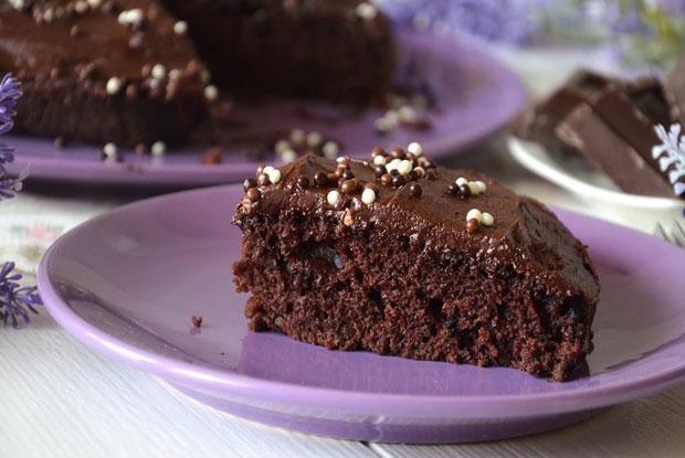 gâteau au chocolat avec glaçage avec thermomix - plat et recette