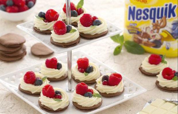 Blinis au Nesquik à la crème au chocolat blanc avec Thermomix