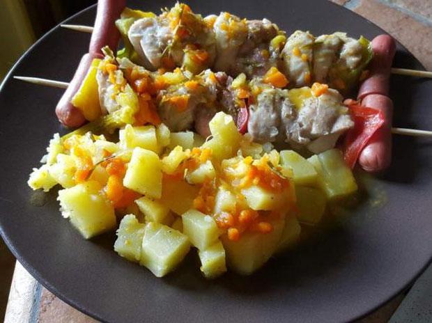 Brochettes de Poulet au Varoma et Pommes de terre