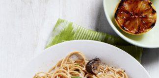 Spaghettis aux haricots verts grillés et champignons
