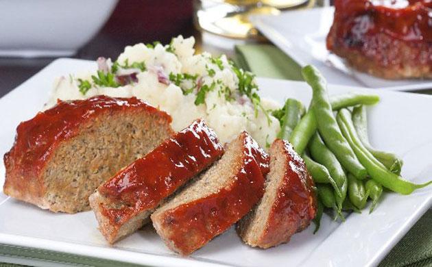 Servir avec la sauce tomate préalablement réchauffée.