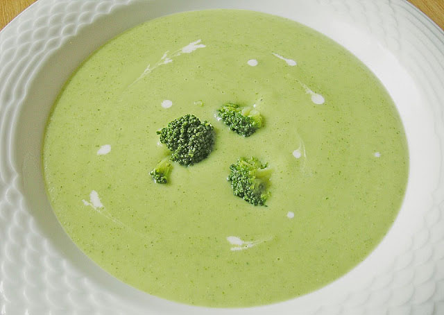 Soupe de brocoli au parmesan avec Thermomix