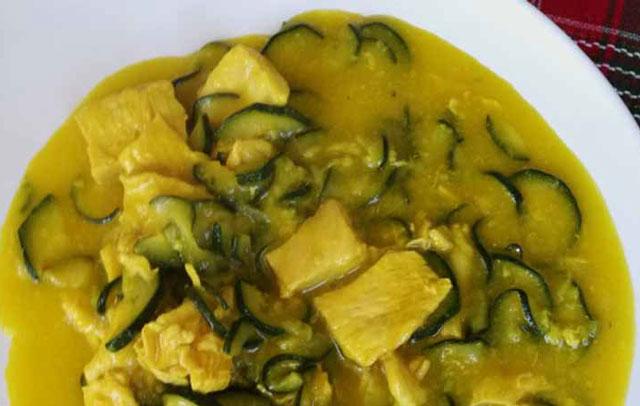 curry de poulet aux courgettes WW