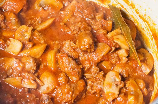 saucisse à la sauce tomate et champignons WW