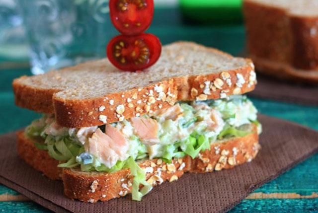 Sandwich au Thon à la Sauce au Fromage Bleu WW