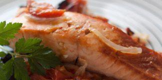 Saumon sur Lit d'Oignon et Tomates au Four WW