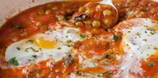 Œufs à la Sauce Tomate et Petits Pois WW