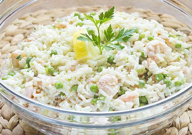 salade-de-riz-au-saumon-et-aux-crevettes-WW