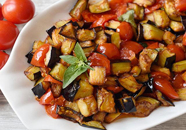 poêlée d'aubergines et de tomates cerises WW