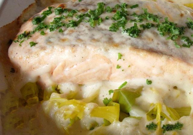 gratin de saumon sur lit de poireaux WW